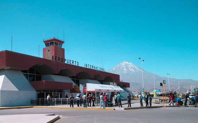 Aeropuerto Internacional Alfredo Rodríguez Ballón en Arequipa