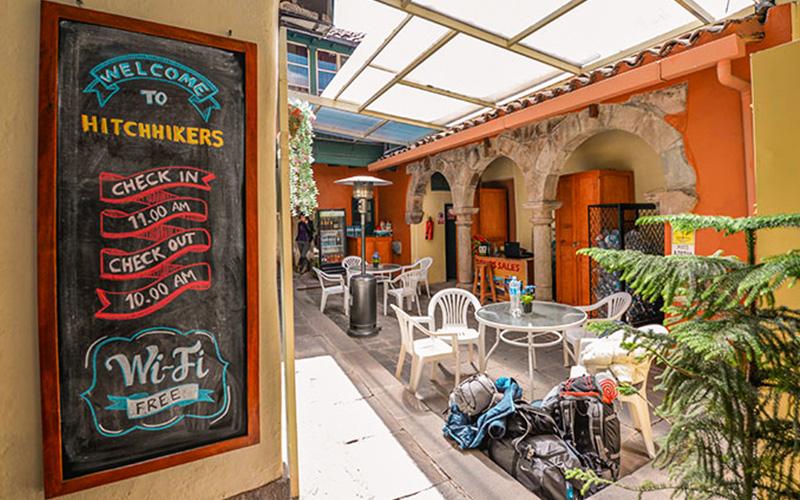 Hostel Hitchhikers Backpackers Cusco Alojamiento barato