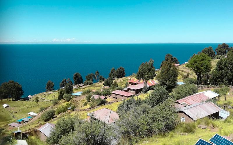 Isla Taquile en el Lago Titicaca