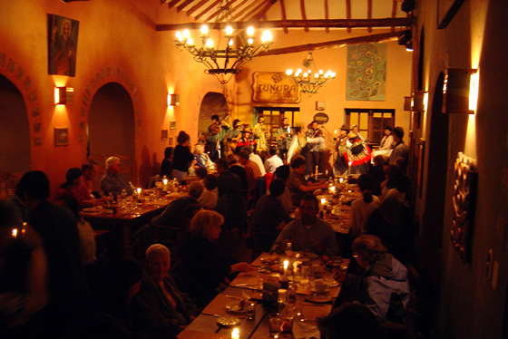 Restaurante Tunupa frente a la Plaza de Armas de Cusco