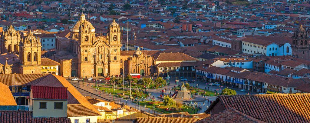 Lugares Turísticos de Cusco: Vista panorámica de la Plaza de Armas de Cusco, Perú